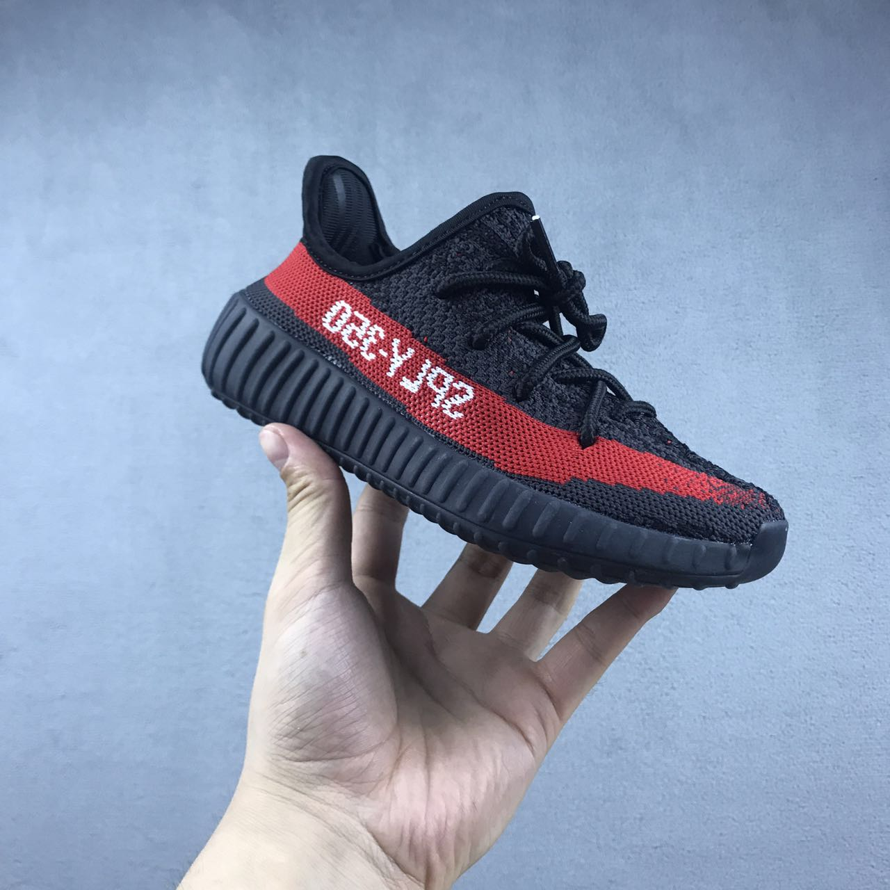 New Kids Yeezy Boost 350 black-red