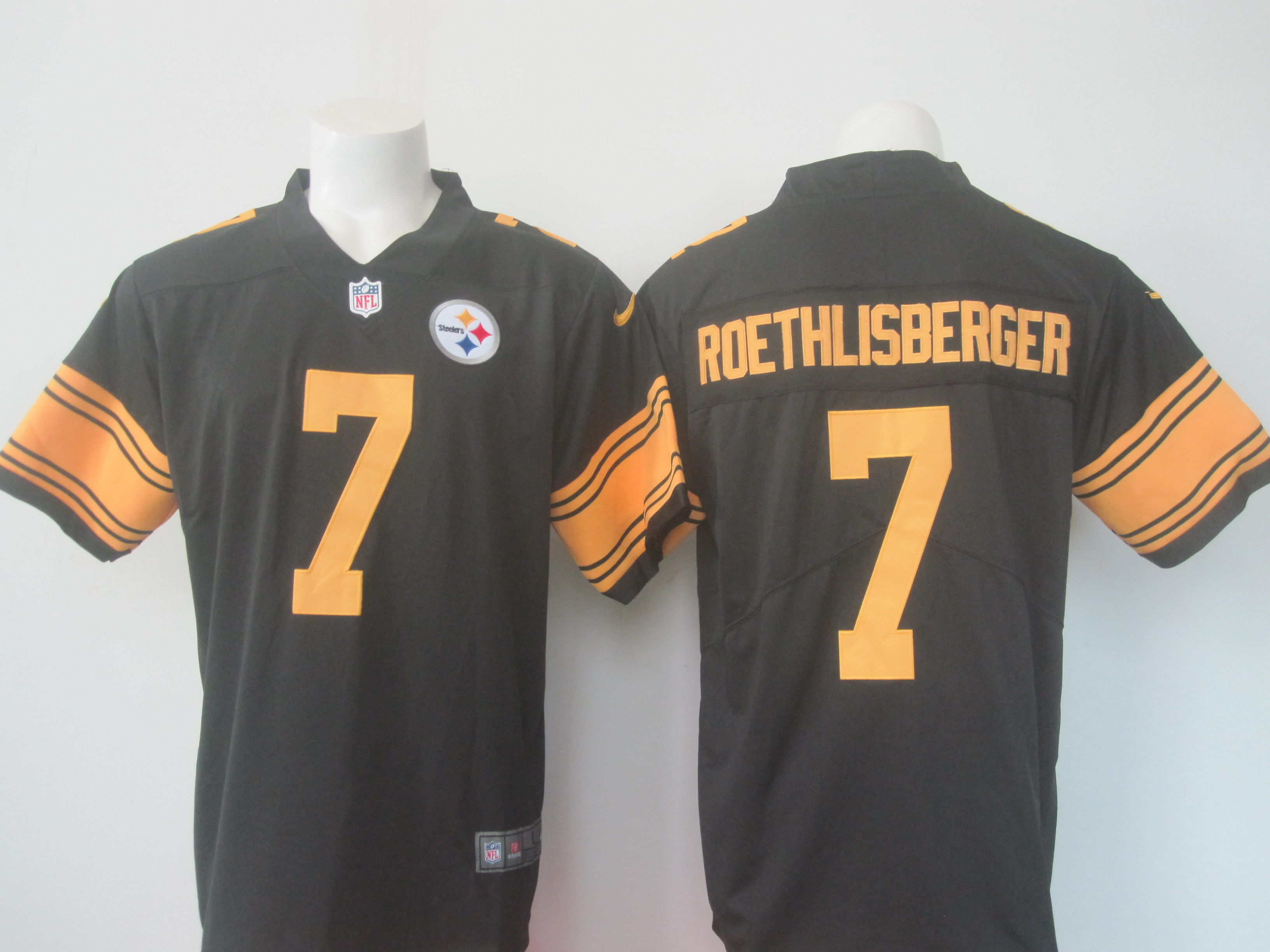 Men's Nike Steelers #7 Ben Roethlisberger Black Limited Rush Stitched NFL Jersey